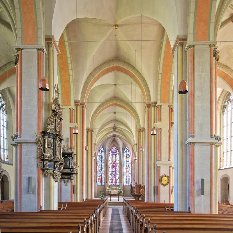 Blick ins Innere des Hauptschiffes nach Osten in den Hohen Chor